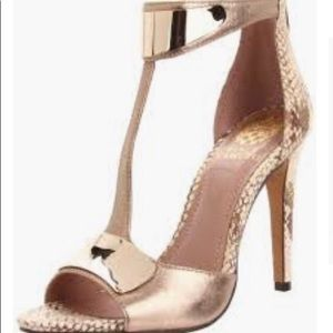 Vice Camuto snakeskin gold sandals heels size 9.5